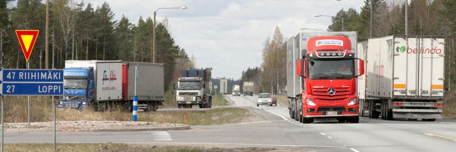 Valtatien 10/12 ja kantatien 54 roolit liikennejärjestelmässä – Palvelutasolähtöinen vertailu teiden toiminnallisesta asemasta